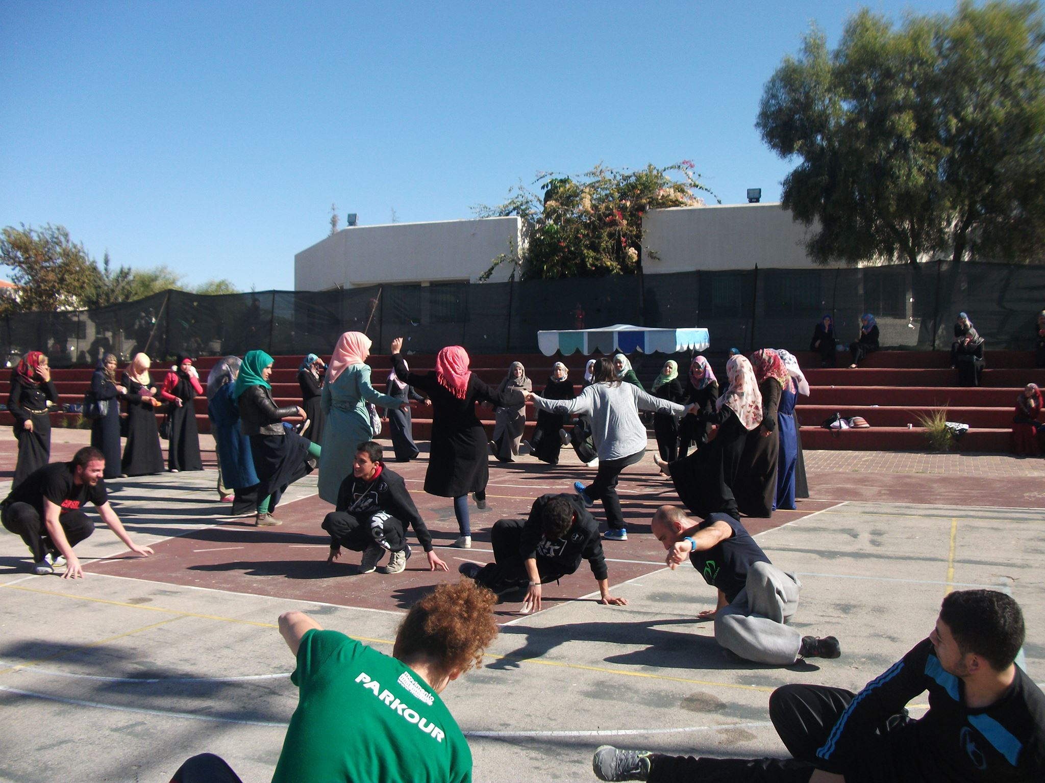 Women and Parkour in Gaza. 5 days of training with Parkour Wave.